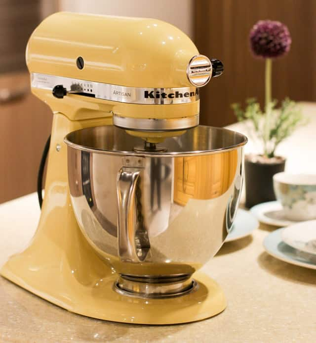 Stand mixers can be a great way of mixing pizza dough