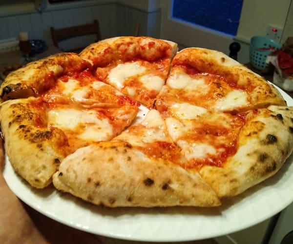 No knead Neapolitan pizza!