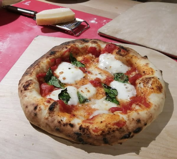 Calories in Neapolitan Margherits Pizza