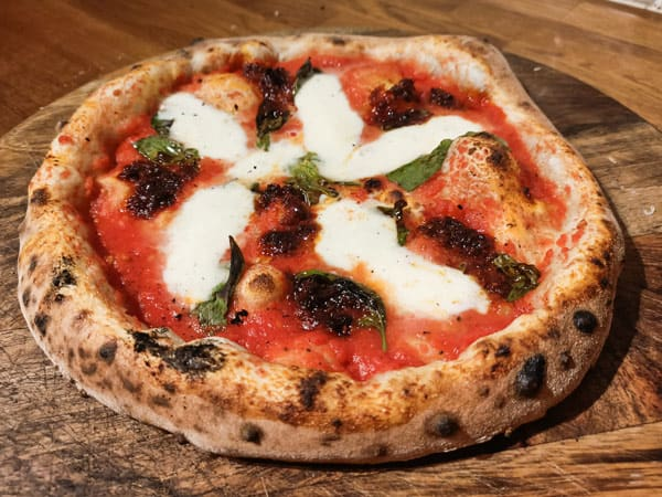 Carbs in Neapolitan pizza
