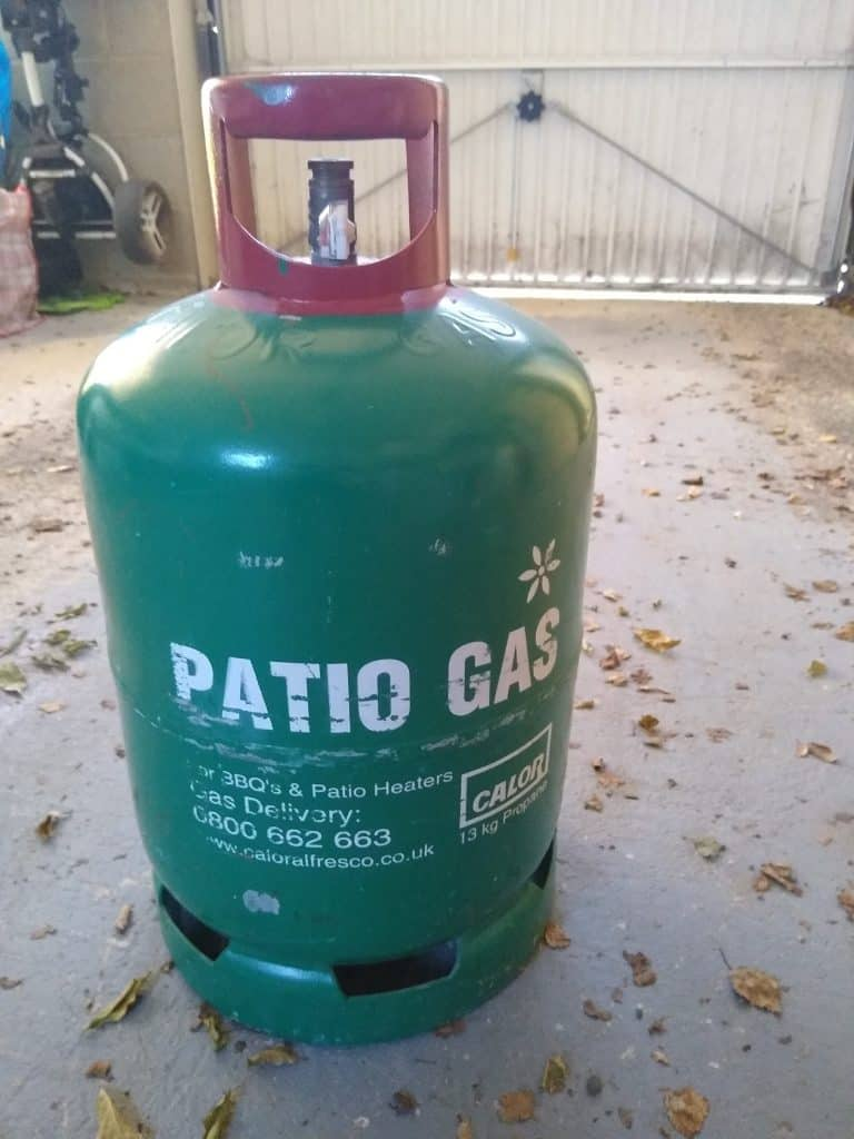 Gas cylinder for pizza oven