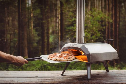 Ooni Karu pizza oven